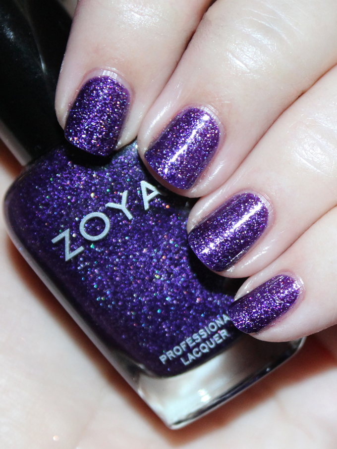 This is Zoya Finley  Swatches & review of the Zoya Urban Grunge Metallic + Holos including the shades Alicia, Finley, Merida, Britta, Ash, & Troy! Check out more nail art, makeup reviews, & style on All Things Beautiful XO