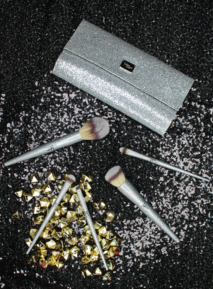 A peek at all the new holiday releases from It Cosmetics that will be featured in ULTA stores! For more beauty, nail art, & makeup reviews check out All Things Beautiful XO