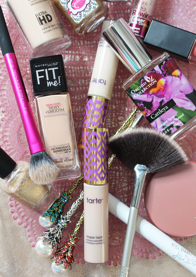 A Look into my Beauty Favorites for September featuring Smashbox, Maybelline, & More! Skincare, hair, nails, & lots of makeup on All Things Beautiful XO