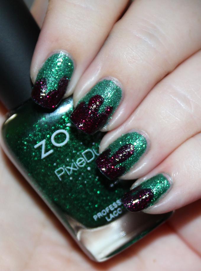 Christmas-y Berry & Green Textured Drip Nail Art Holiday Nails using Zoya Elphie & Zoya Lorna See more nail art, makeup looks, & beauty on All Things Beautiful XO