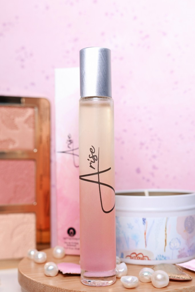 Check out a review of Arise oil fragrance with notes of jasmine flower, grapefruit, orange, & vanilla bean on All things Beautiful XO