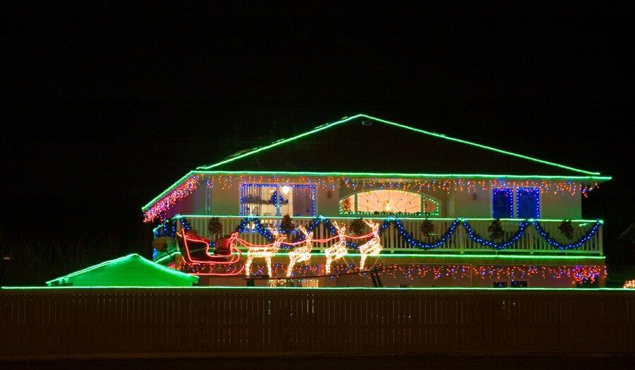 https://i0.wp.com/www.allthingschristmas.com/pics/christmas-lights1.jpg