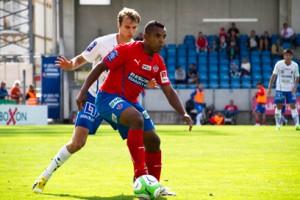 Alvaro Santos spelade från start i dagens match Foto: Samone Falkman