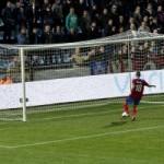 Nikola Djurdjic gör sitt andra mål för kvällen i hemmamatchen mot Twente i Europa League. Foto: Bjarki Tordarsson