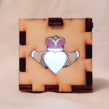 Claddagh LED Gift Box white
