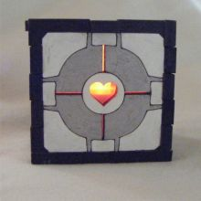 Companion Cube LED Gift Box yellow