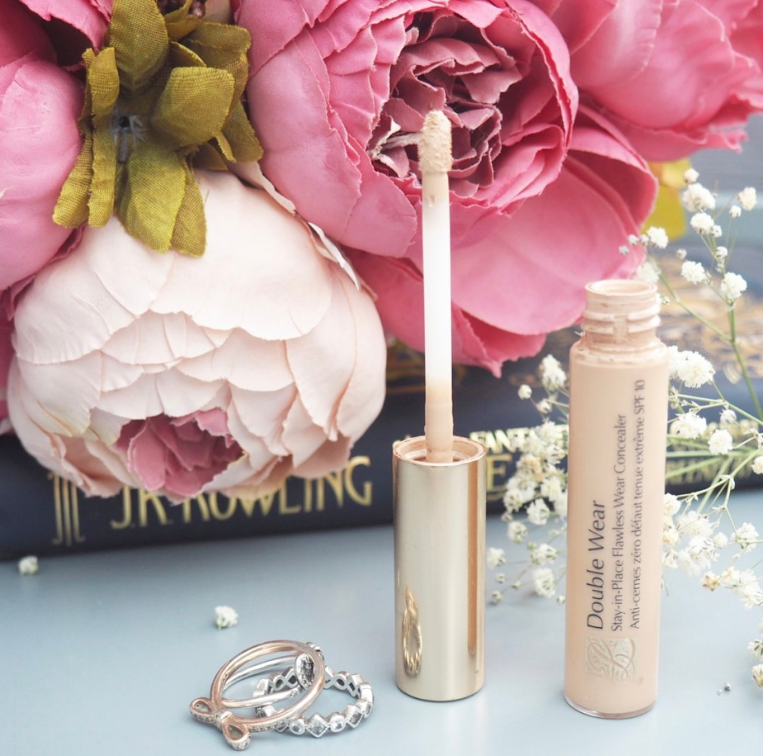 Estée Lauder Double Wear Stay In Place Flawless Wear Concealer Review