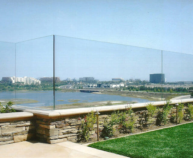 glass fencing railing contractor