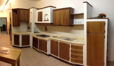 Cucine in muratura e legno produzione e vendita Cucine