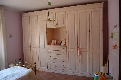 Produzione e vendita di camere in legno massello in Umbria