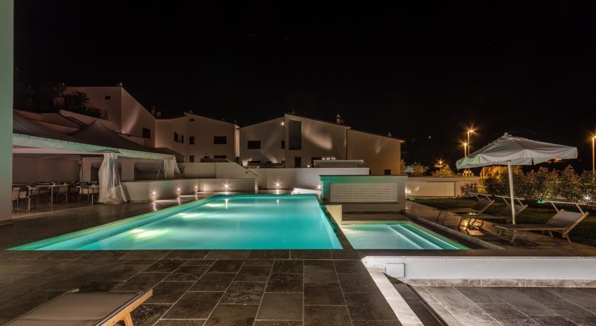Hotel Lusso 4 stelle a Firenze Design Hotel  SPA Piscina Idromassaggio area giochi bambini