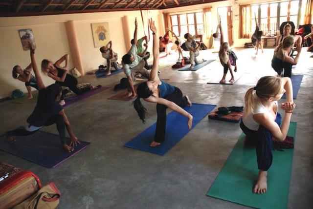 Trimurti dharamsala yoga