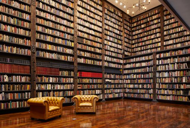 Art Center Books