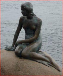 Little mermaid statue photo