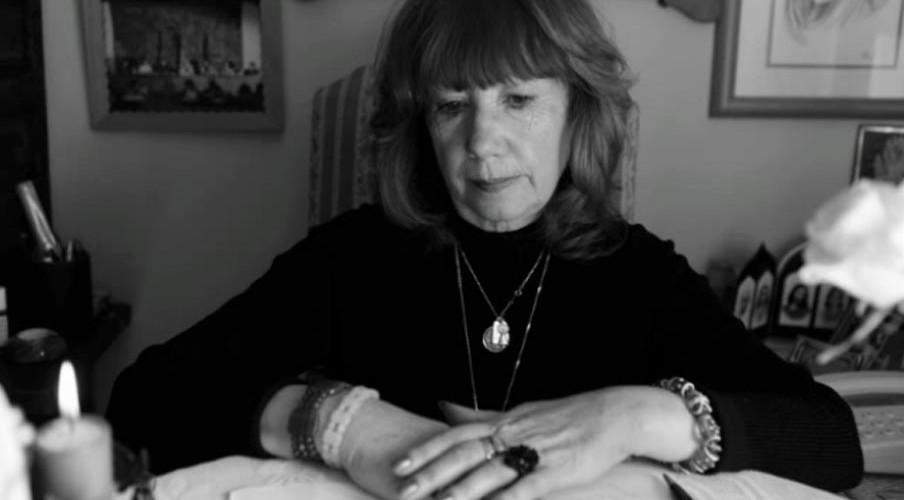 Angela Ghislery, hisotria de una médium
