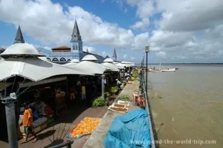 Vista geral do mercado Ver-o-Peso, Belém do Pará, Brasil