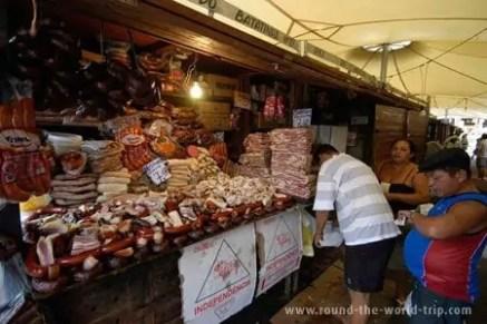 Banca de carnes no mercado Ver-o-Peso, Belém, Brasil