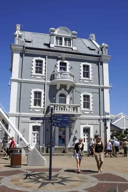A Victoria & Alfred Waterfront é das zonas mais visitadas da Cidade do Cabo, especialmente ao fim de semana