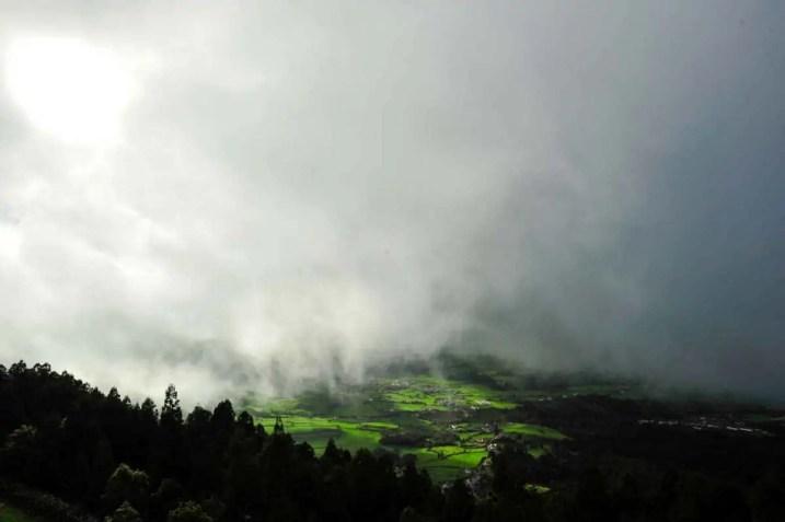 Vista da ilha Santa Maria desde o Pico Alto