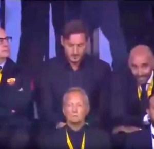 Francesco-Totti-soddisfatto-per-la-vittoria-romanista