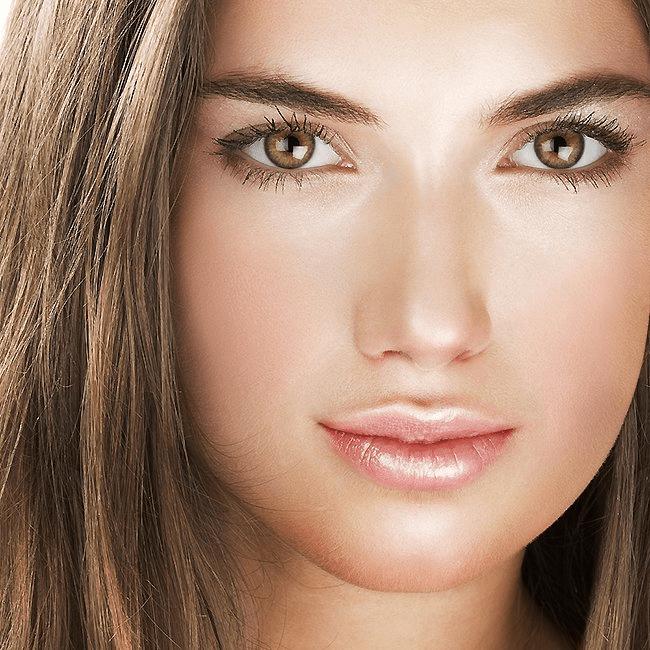 Como escolher a cor certa do iluminador para seu tom de pele