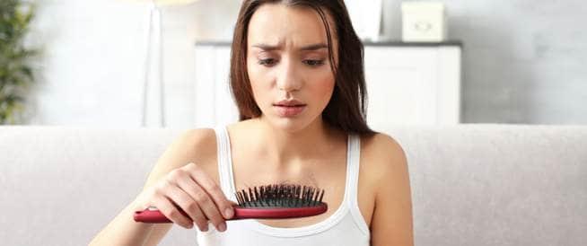 دليلك لأسباب تساقط الشعر وطرق علاجه