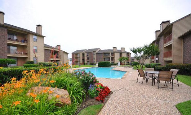 Bridgeport Apartments, Irving, TX, one of the investments available through iintoo.com