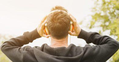 Fone de ouvido almeidatecno