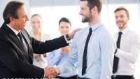 اذكر بعض السلوكيات الايجابية التي ينبغي ان يتحلى بها الموظف