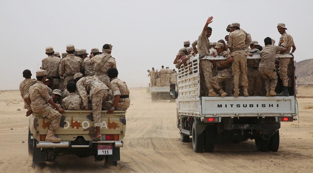 آلاف الجنود يغادرون معسكراتهم في مأرب