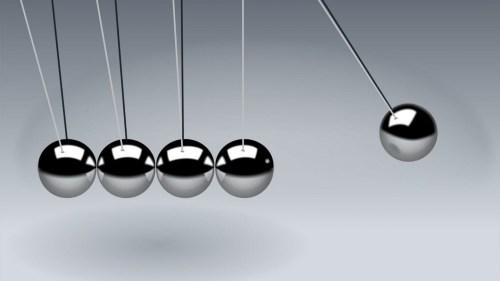 لكل فعل ردة فعل مساويه له في المقدار ومضاد له في الاتجاه