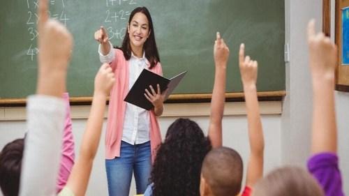 موضوع تعبير عن يوم المعلم