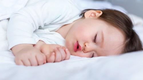 تفسير حلم ارضاع طفل غير طفلي