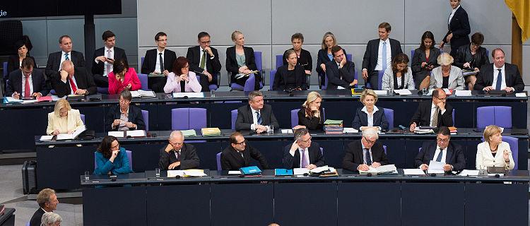 أغلب الألمان مع تغيير قادة الحكومة الاتحادية
