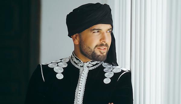 الدوزي يُحضر لأغنية جديدة بالتعاون مع جلال الحمداوي
