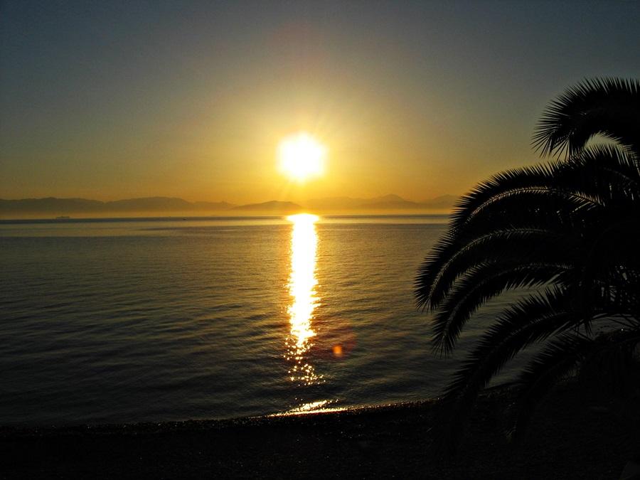 7 motive pentru care m-am îndrăgostit de insula Corfu, inimă albastră