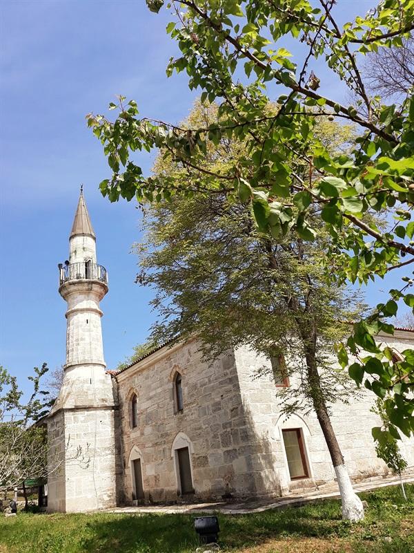 Moscheea Esmahan Sultan Mangalia