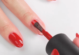 How To Paint Your Nails With Your Left Hand7