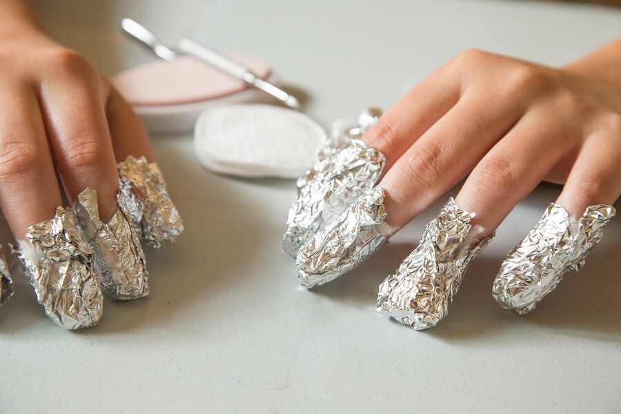 nail foil to remove gel nails