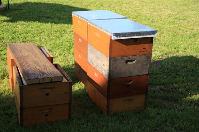 Temporary table and benches from beehive boxes - Almost Bananas