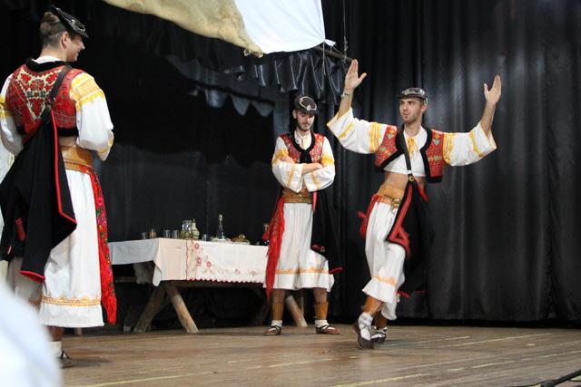 Play of a traditional Slovak wedding - Almost Bananas blog