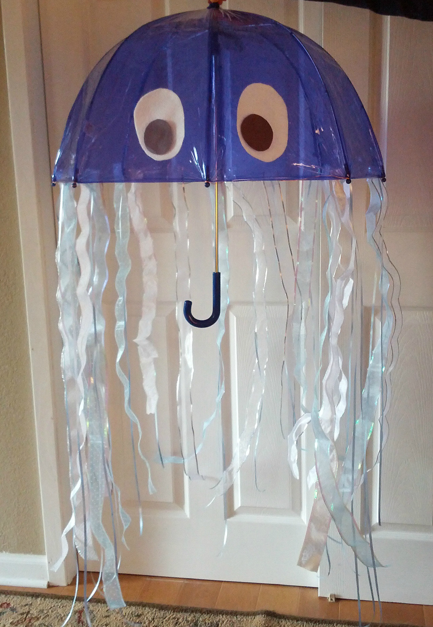 Amazing diy jellyfish costume almost the real thing jellyfish costume1 jellyfish costume2 solutioingenieria Gallery