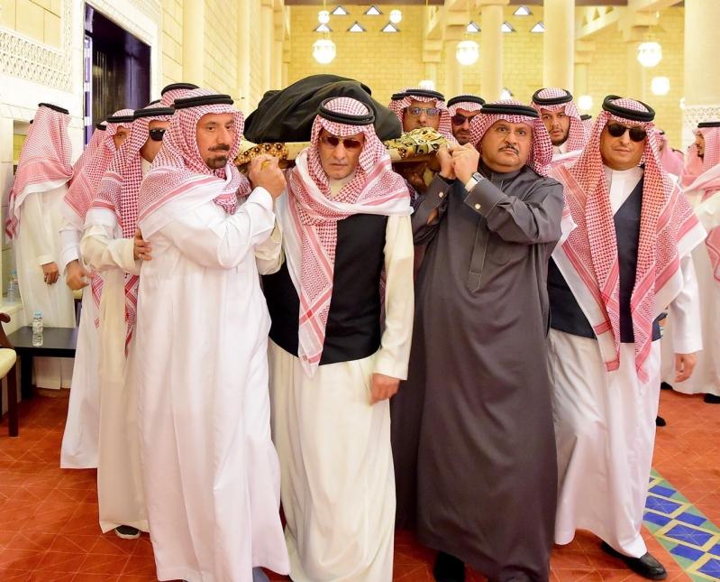 جموع غفيرة تشيع الأمير فيصل بن بدر بن فهد صحيفة المواطن