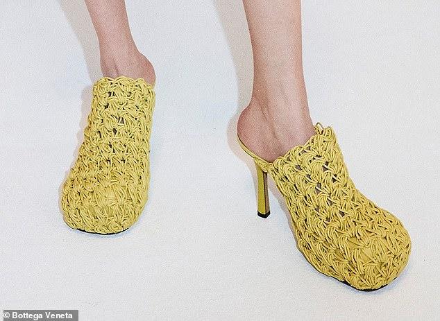 ماركة إيطالية فاخرة تبتكر حذاء الإندومي