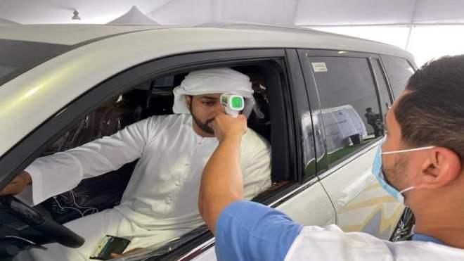 الإمارات تسجل 1083 حالة كورونا جديدة
