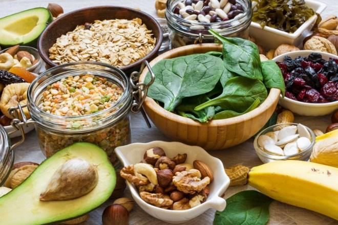 أفضل 10 أطعمة مضادة للالتهابات يمكنك تناولها يوميًا