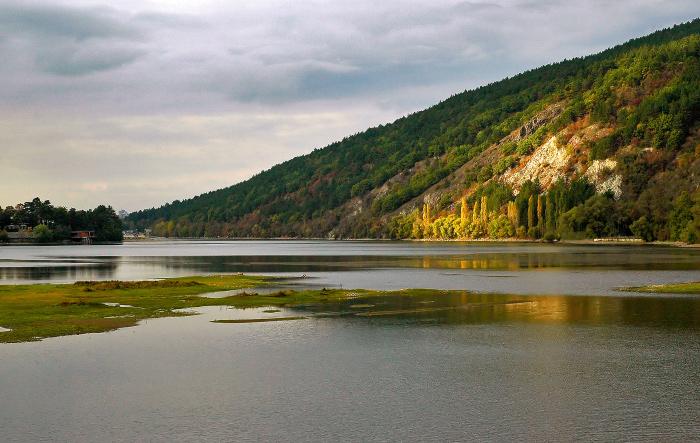 Езерото край Панчарево