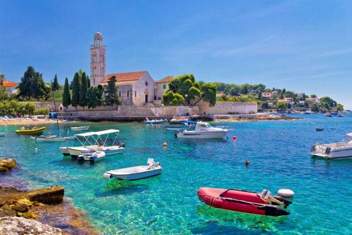 جزيرة هفار كرواتيا | المرسال