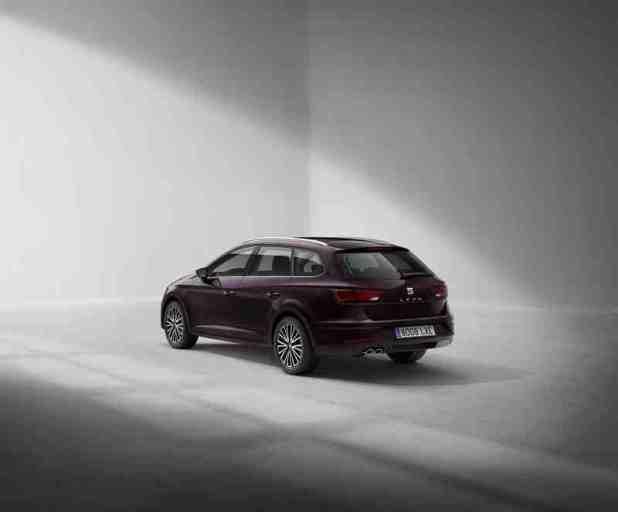 التصميم الخلفي للسيارة سيات ليون 2017