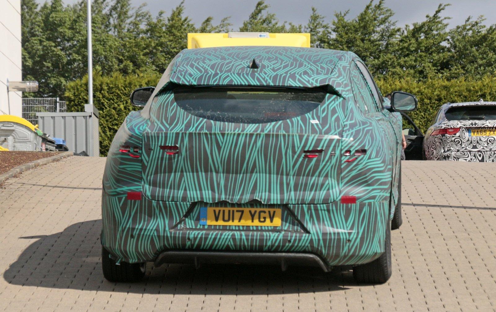 التصميم الخلفي الضخم للسيارة الكهربائية الجديدة جاكوار I-Pace 2019